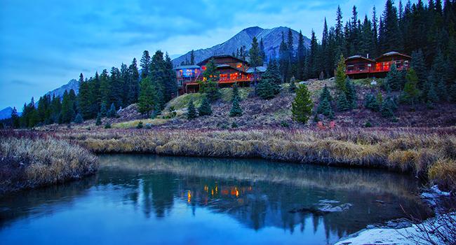 mountain lake lodge escapes