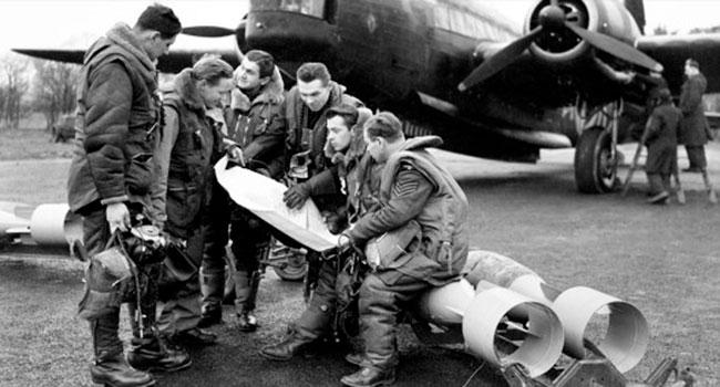 Ukrainian Canadian bomber command crew
